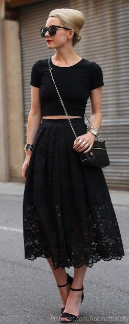 Opposing the all white ensemble above, this all black ensemble is the perfect combo for Summer in Fall. Its a perfect example. Love.